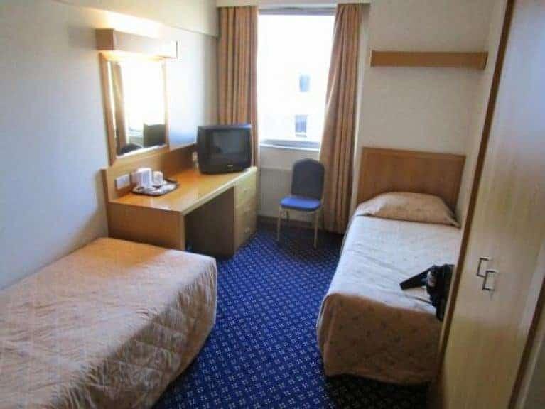 royal national hotel london contiki bedroom